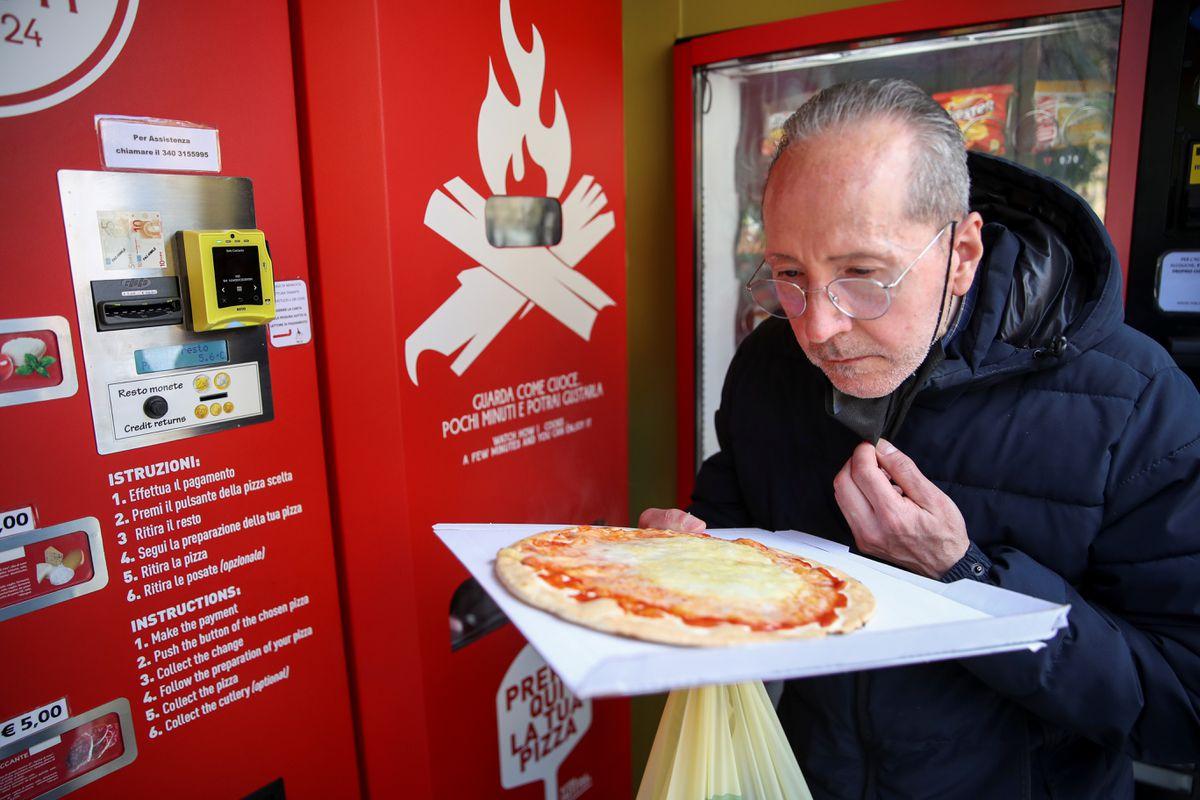 Mr. Go Pizza Vending Machine